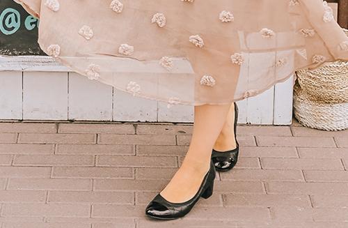 Katie Lavieri wearing Ruby Block Heel